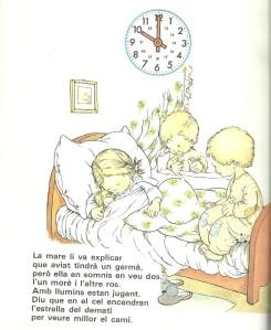 Bibi abans d'anar a dormir amb els seus suposats germans.Un morè i un de ros.